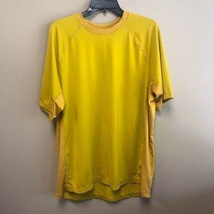 REI active quick dry short sleeve Tee Shirt  XL